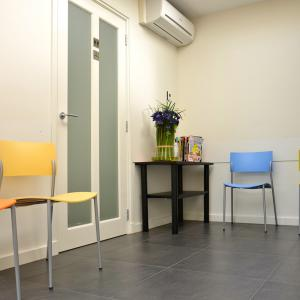 De wachtkamer van Fysiotherapie Deman - van Grinsven